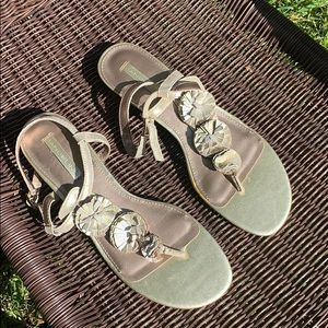 Bandalino sandals